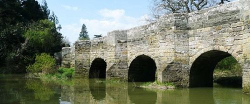 picture of the historic Stopham Bridge crossing the River Arun at Stopham in West Sussex.