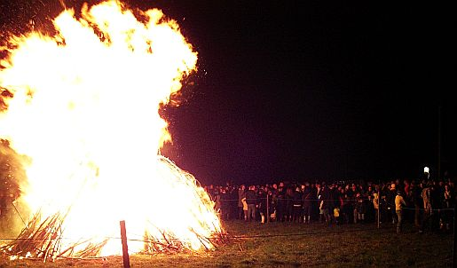 Picture of bonfire night in Heyshott